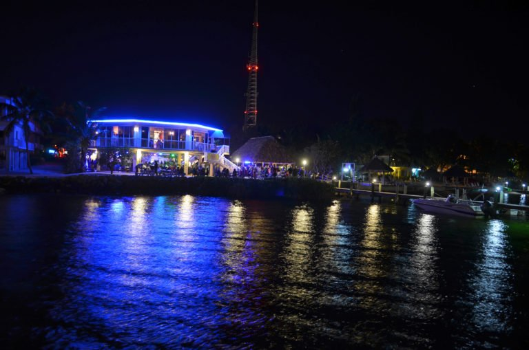 bayside-grille-outside-bay-view-night
